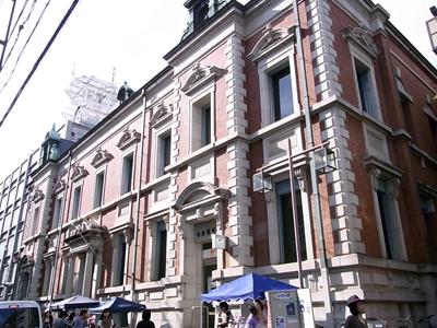 中京郵便局の壁面博物館